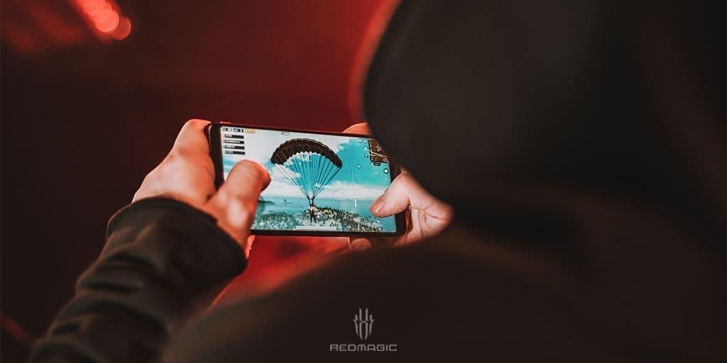 Abusar del móvil produce los mismos efectos que la adicción a las drogas